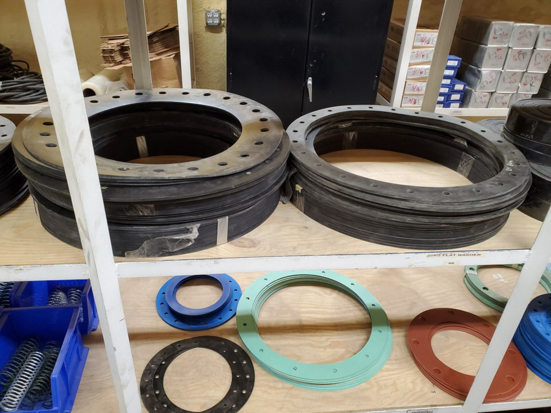 """Assorted Gaskets 9"""" - 48""""; W/ Assorted Springs - Image 4 of 13"""
