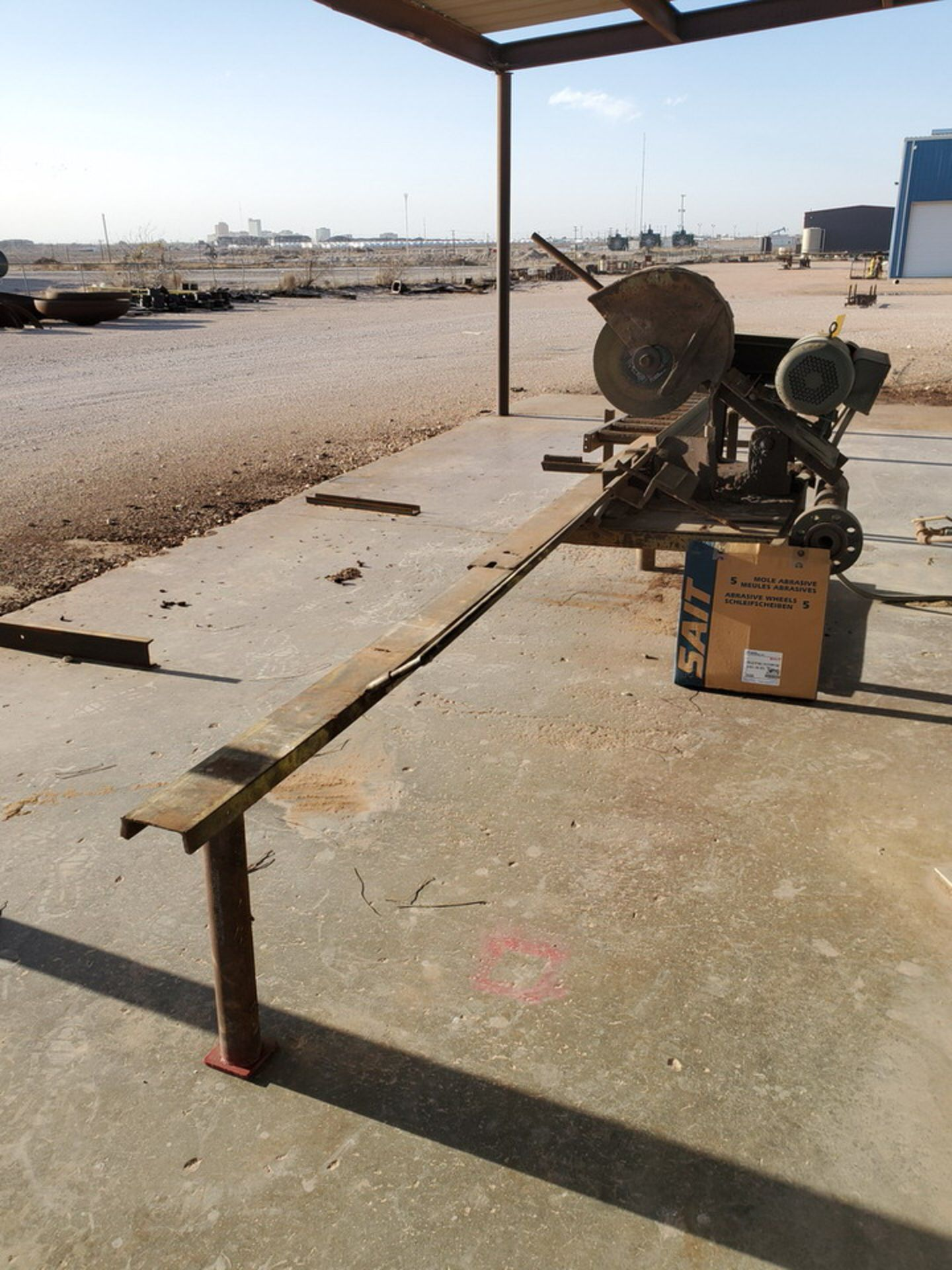 "18"" Chop Saw 10HP, 3450RPM, 230V, Baldor Motor; W/ Rolling Conveyor, 10' x 16-1/2"" - Image 2 of 11"