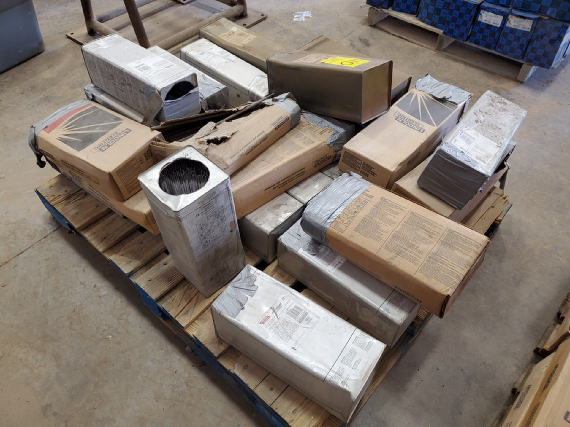 """LE Assorted Welding Rods Size Range: 5/32"""" x 14"""" 3/16"""" x 18"""" - Image 4 of 8"""