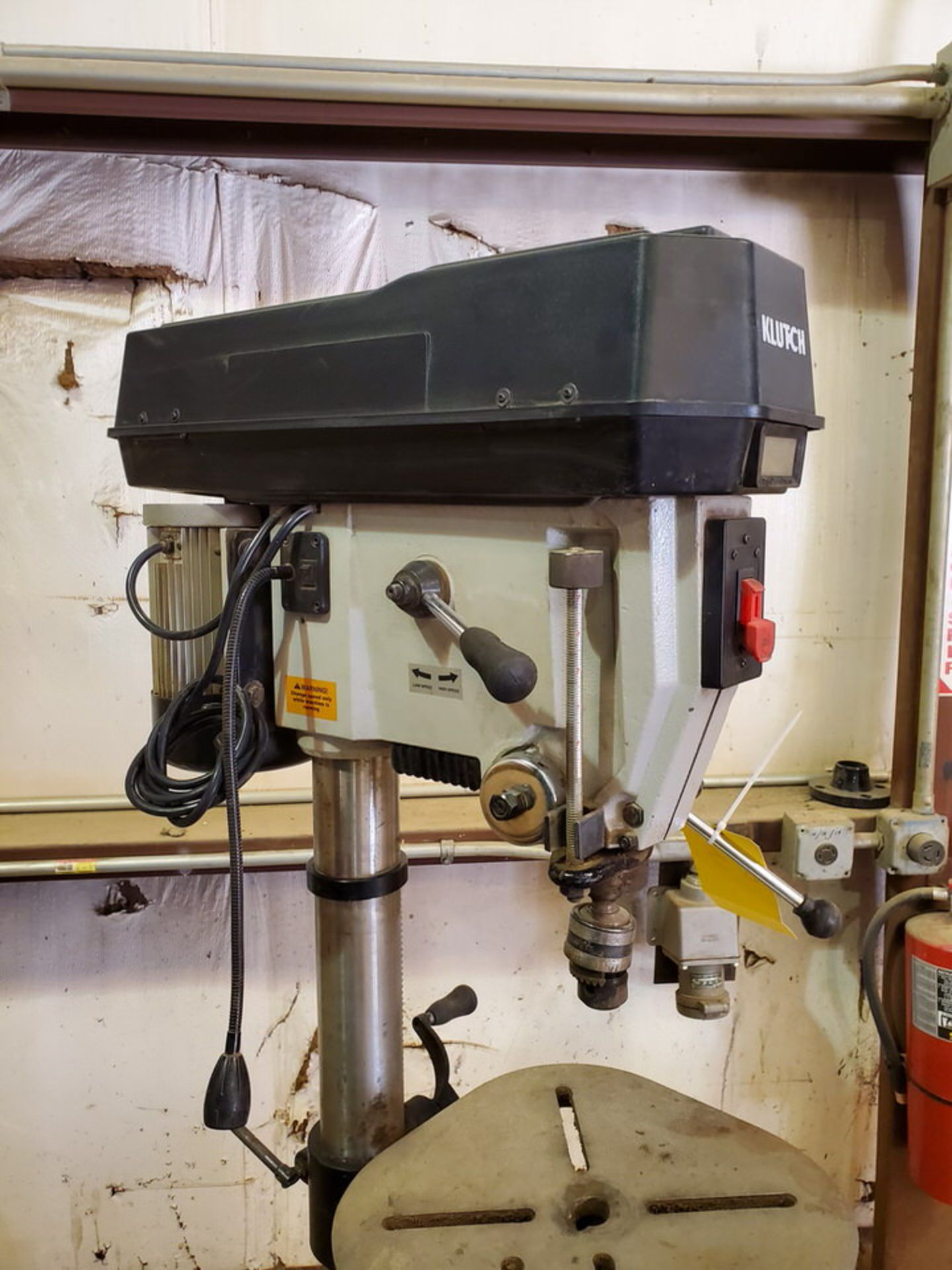"Klutch 17"" Drill Press 120V, 60HZ,1-1/2""HP, Swing: 17-23/32"", 600-2400RPM, 6""-Travel; 14"" Dia Work - Image 5 of 9"