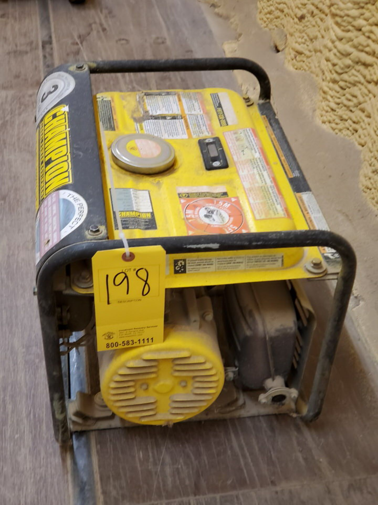Champion 42432 Portable Generator 1400W, W/ 80cc Engine, 1PH, 60HZ, 120V, 11.7A - Image 4 of 7