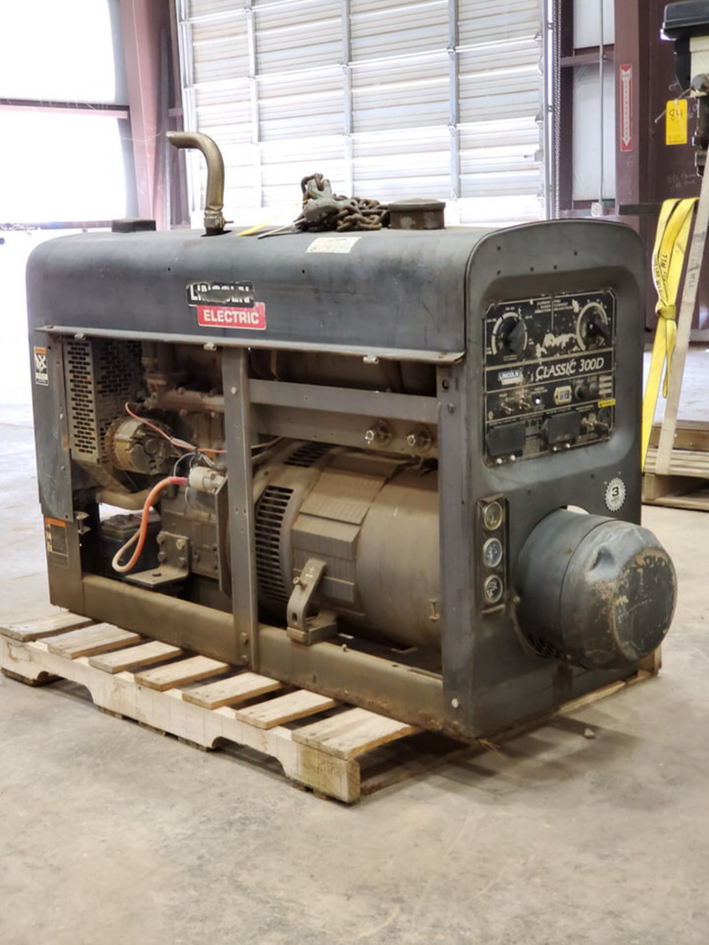 LE Classic 300D Multiprocessing Welder 115/230V, 26/13A; 4 Cyl Kubota Engine, 800RPM - Image 4 of 9