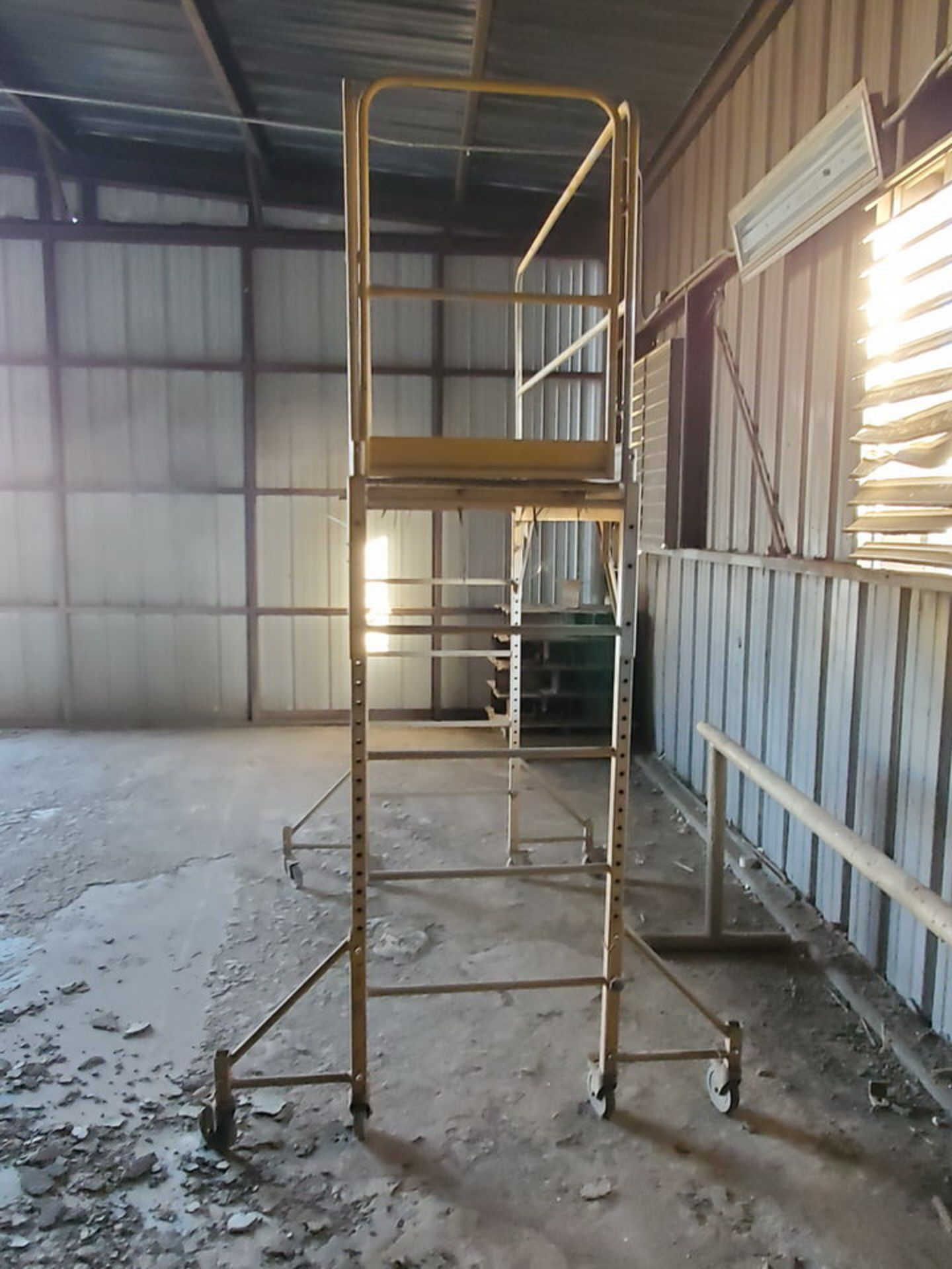 Scaffolds - Image 4 of 5
