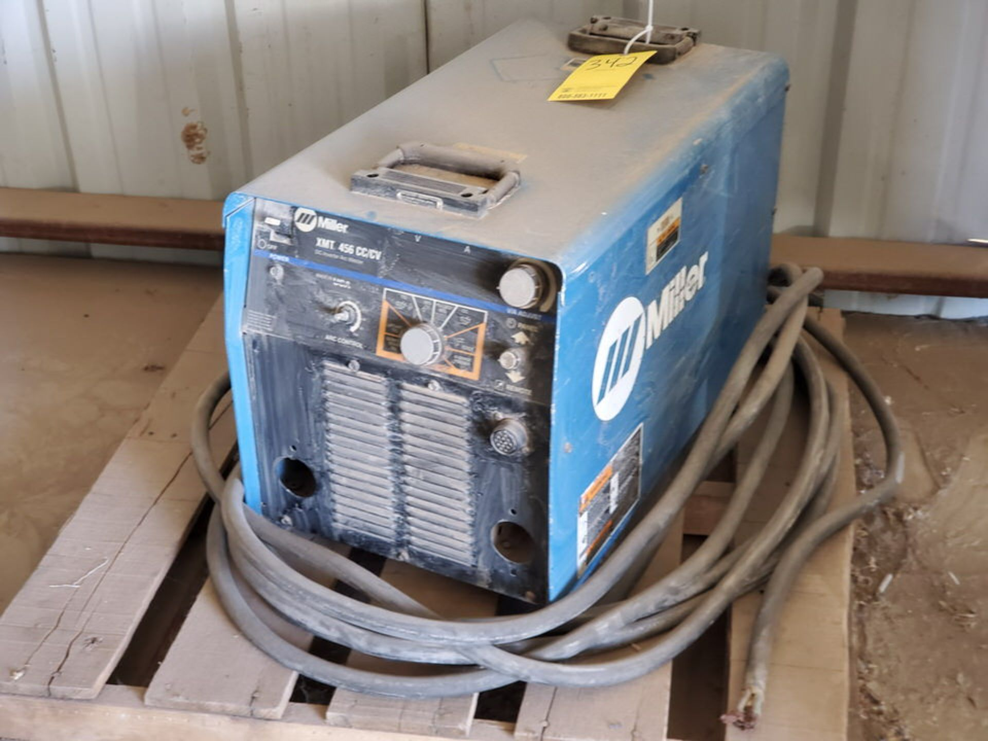 Miller XMT 456 Multiprocessing Welder 230/460V, 50.8/27.8A, 3PH, 60HZ