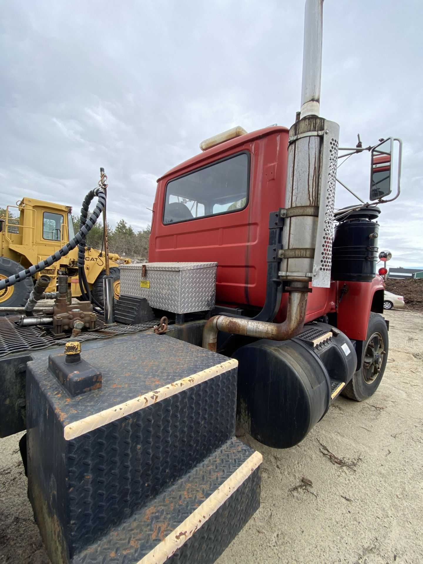 1986 Mack RD688SX Tandem Axle Tractor VIN 1M2P143Y8GA004351, Meter Reads 301,625 Miles, Day Cab, - Image 16 of 22