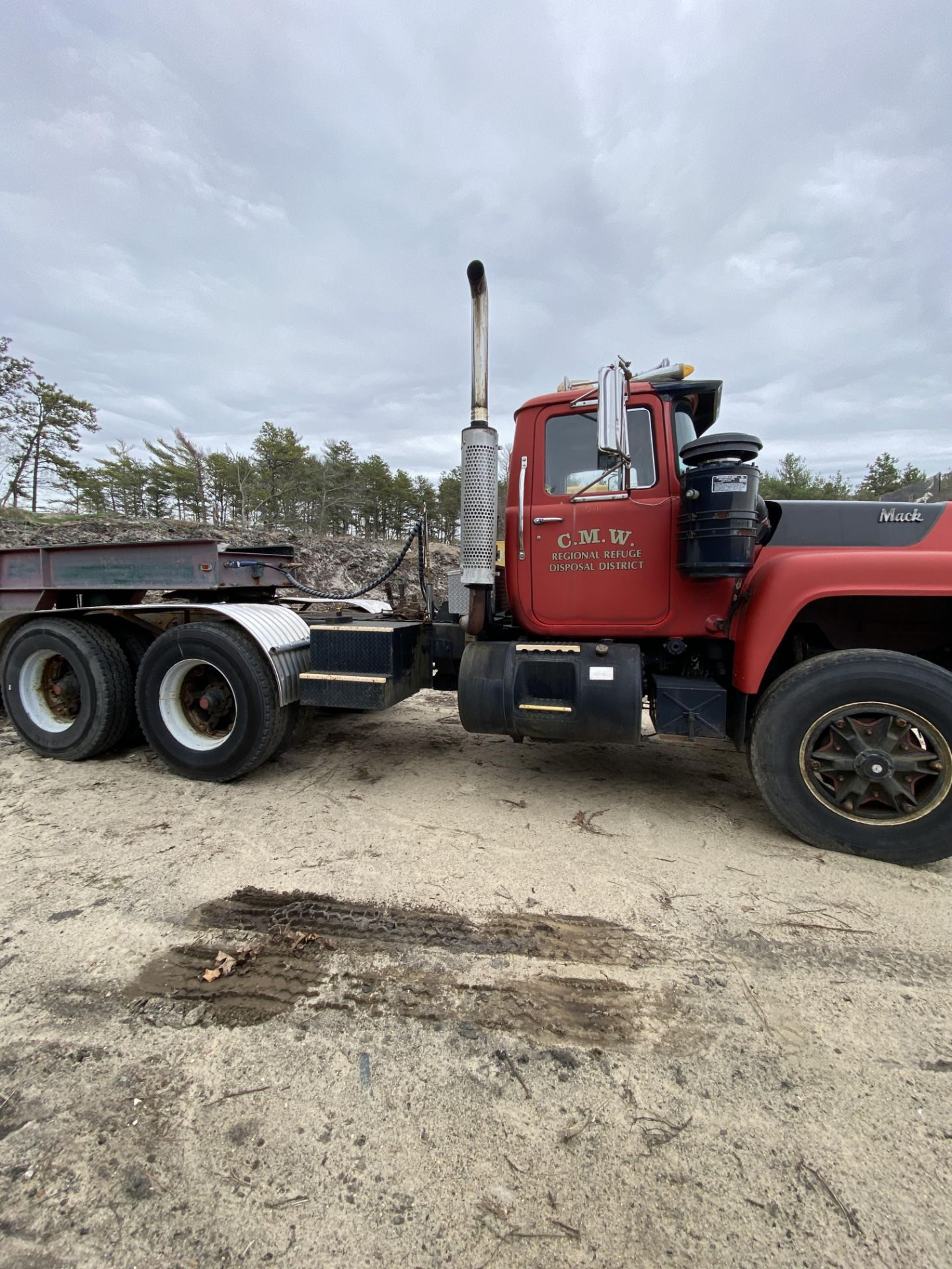 1986 Mack RD688SX Tandem Axle Tractor VIN 1M2P143Y8GA004351, Meter Reads 301,625 Miles, Day Cab, - Image 14 of 22