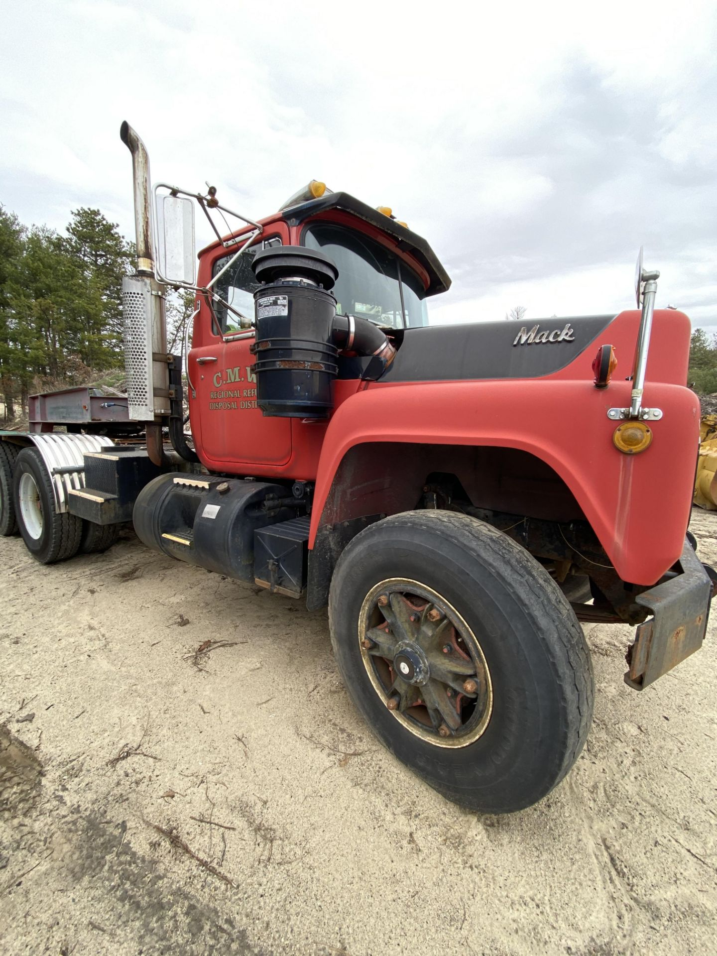 1986 Mack RD688SX Tandem Axle Tractor VIN 1M2P143Y8GA004351, Meter Reads 301,625 Miles, Day Cab, - Image 12 of 22