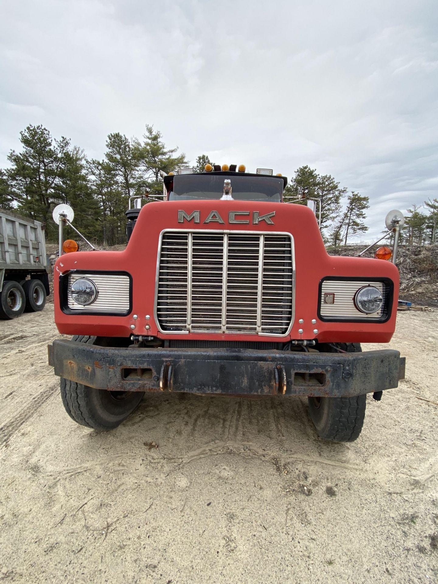 1986 Mack RD688SX Tandem Axle Tractor VIN 1M2P143Y8GA004351, Meter Reads 301,625 Miles, Day Cab, - Image 11 of 22