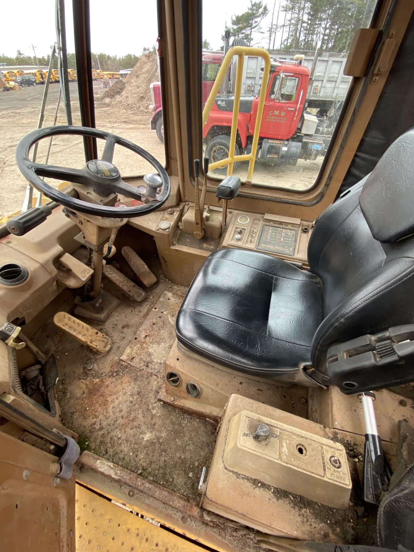 1980 Caterpillar 966D Wheel Loader s/n 99Y02108, Meter Reads 4,664 Hours, Have Title - Image 21 of 23