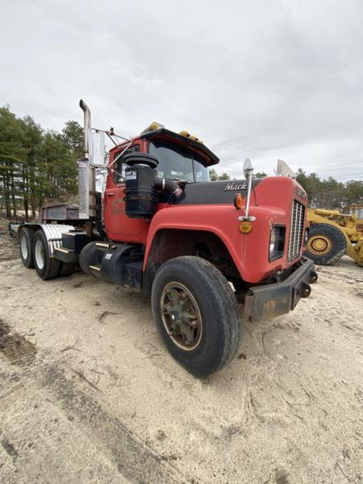 1986 Mack RD688SX Tandem Axle Tractor VIN 1M2P143Y8GA004351, Meter Reads 301,625 Miles, Day Cab, - Image 9 of 22