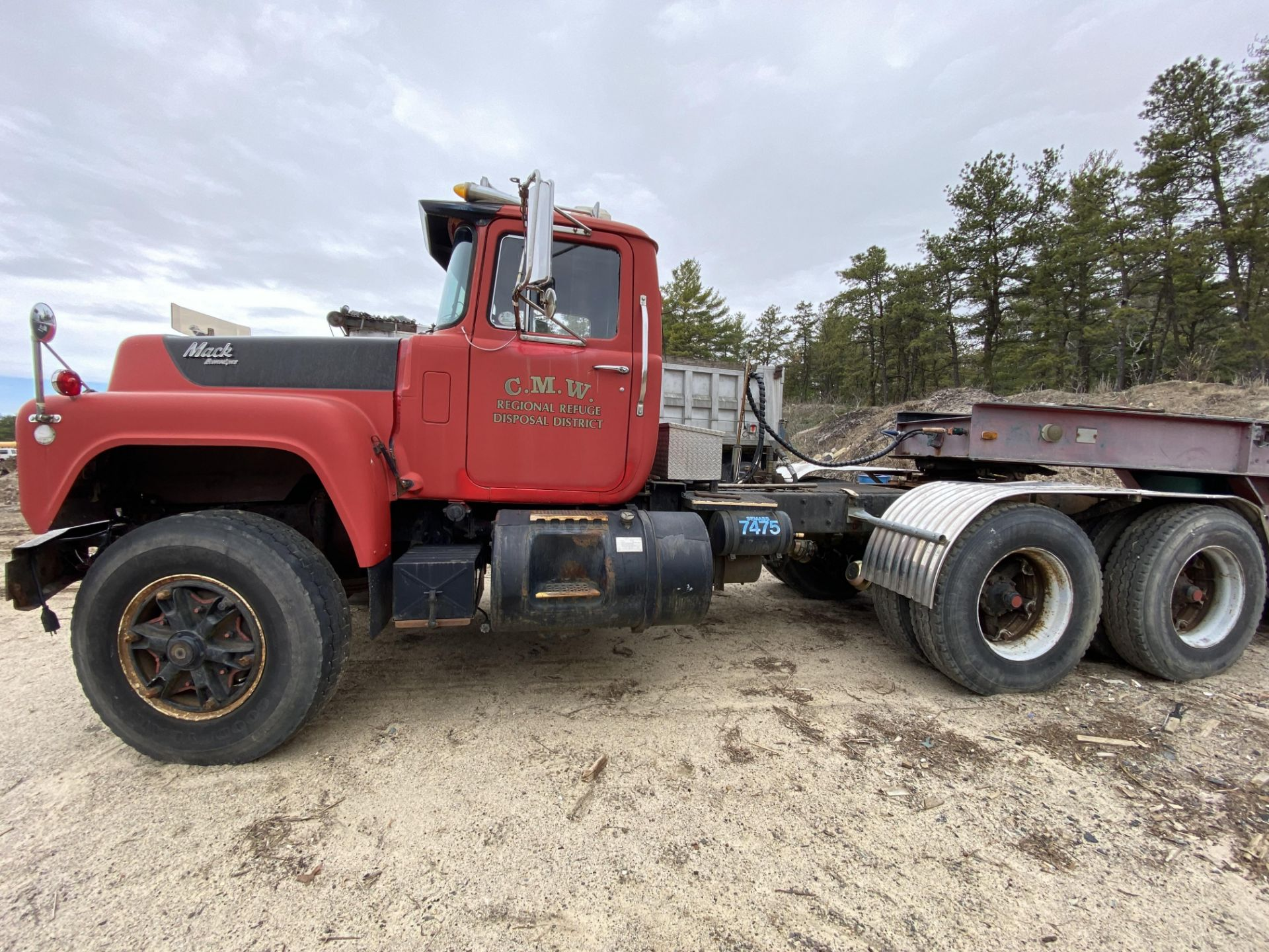 1986 Mack RD688SX Tandem Axle Tractor VIN 1M2P143Y8GA004351, Meter Reads 301,625 Miles, Day Cab, - Image 3 of 22