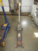 (1) 5 Ton Hydraulic Jack