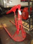 (1) Portable Hydraulic Engine Hoist