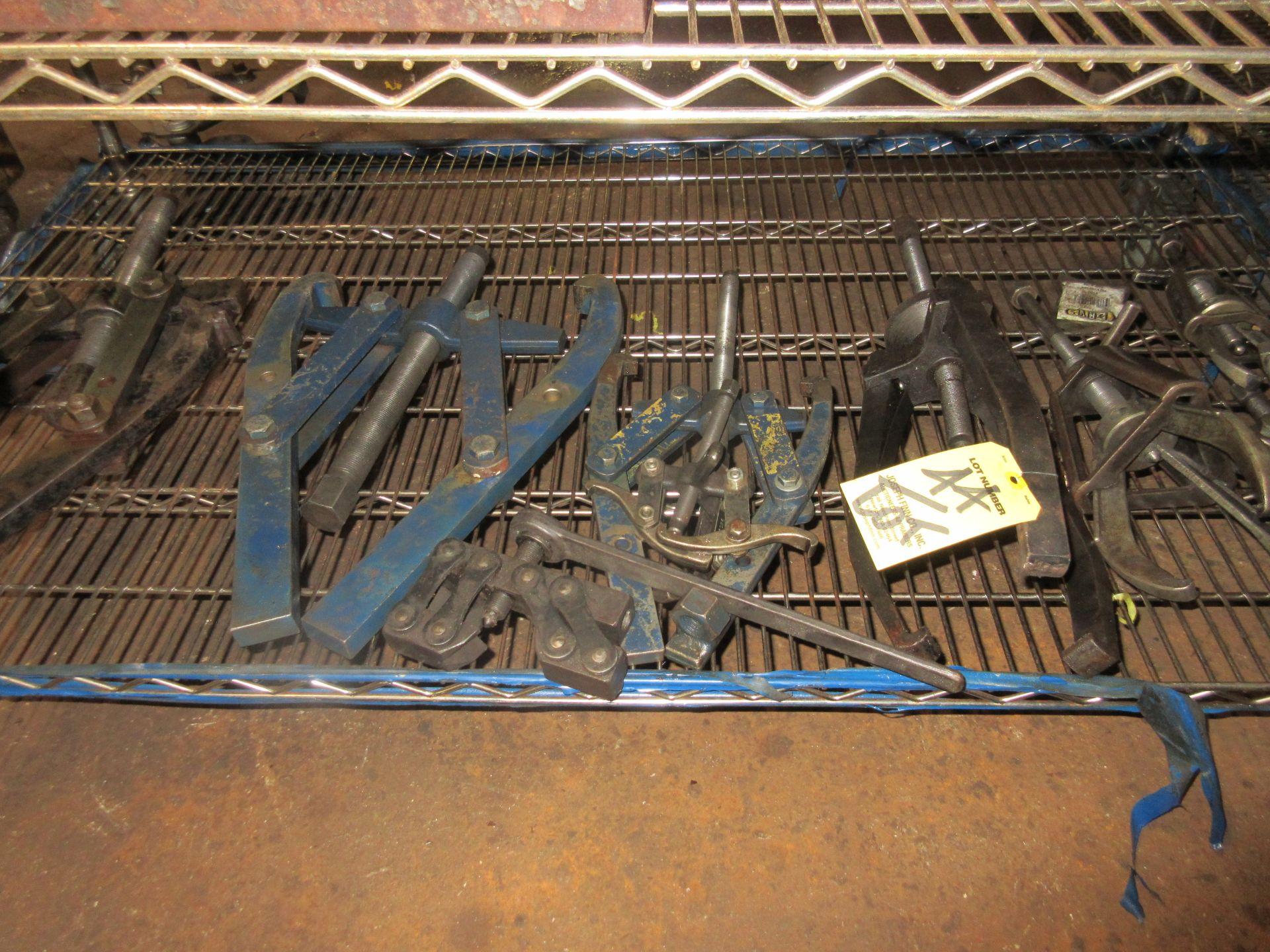 (1) Asst. Gear Pullers on Shelf