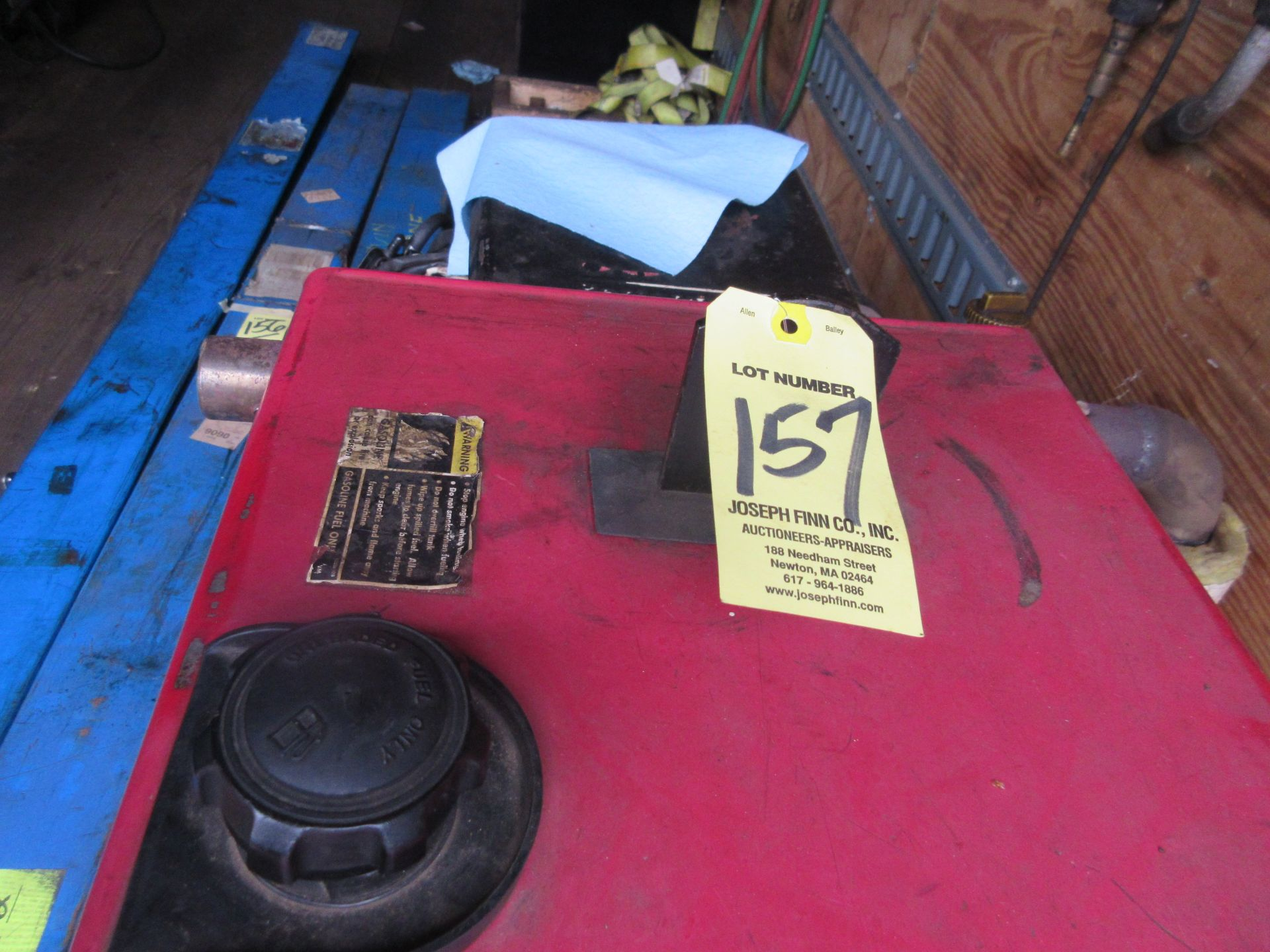 (1) Lincoln Ranger 9 Welder Generator This lot is being sold subject to the bulk bid lot number - Image 3 of 3