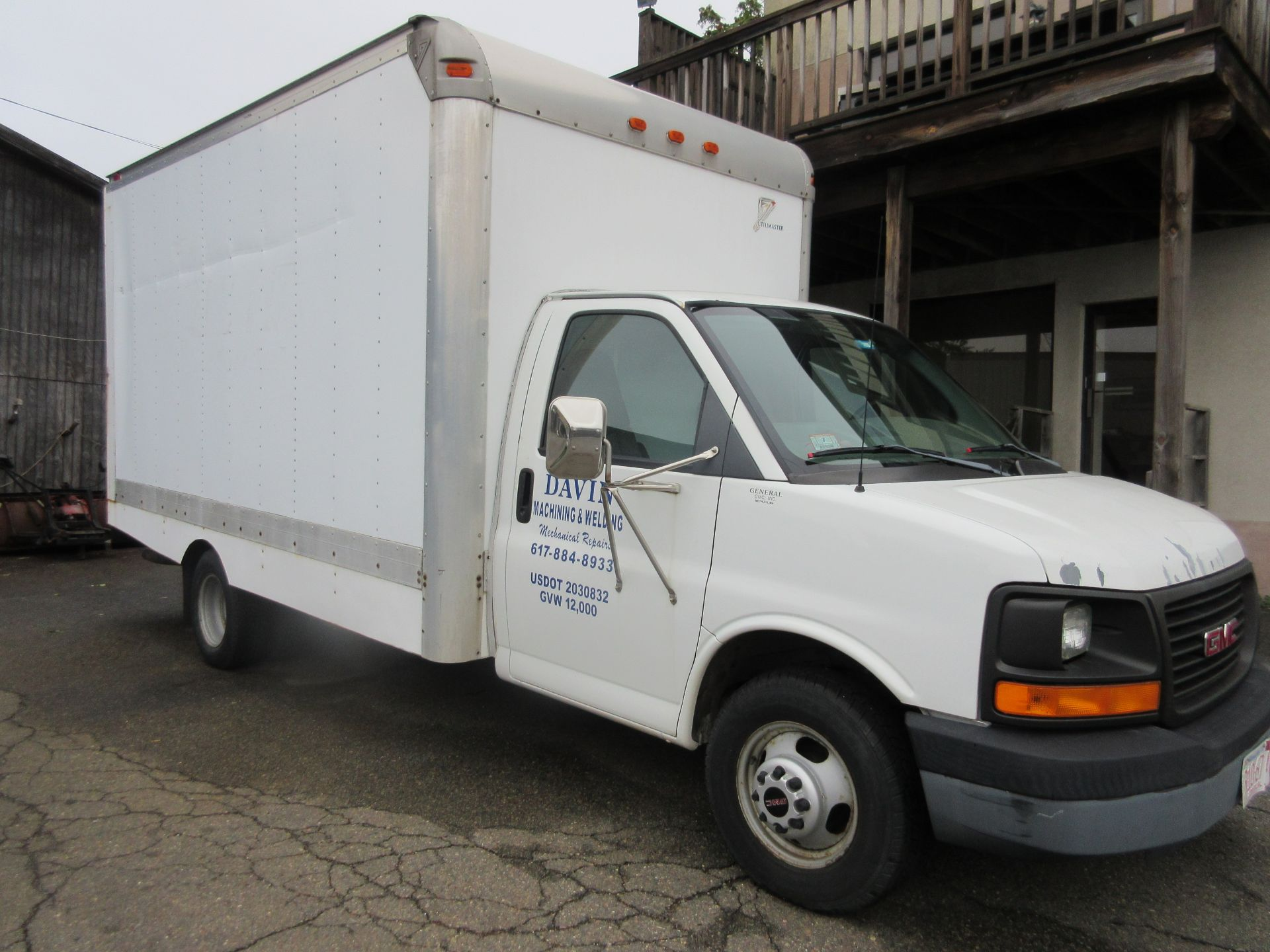 Bulk Bid Includes (1) Line Boring Truck Including 2004 GMC Savana 3500 Box Truck 2WD 8 Cylinders U - Image 2 of 27