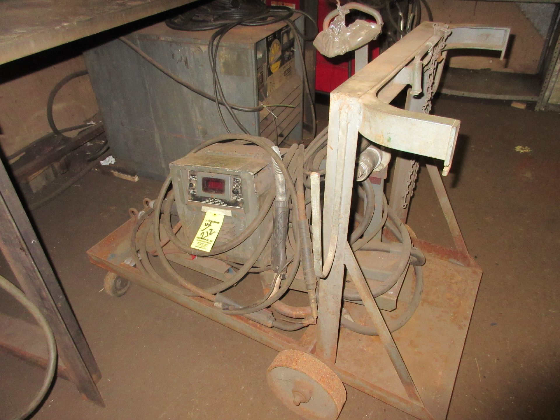 (1) Lincoln DC-400 Arc Welder, w/ Wire Feed & Port. Cart - Image 2 of 3