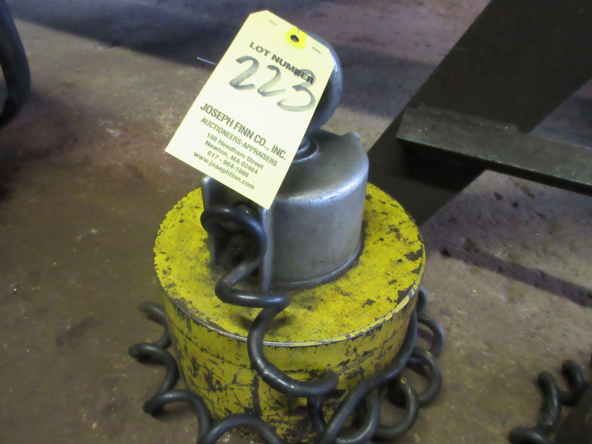 (1) Model CER-9 Lifting Magnet, 2,400 Lbs. Cap