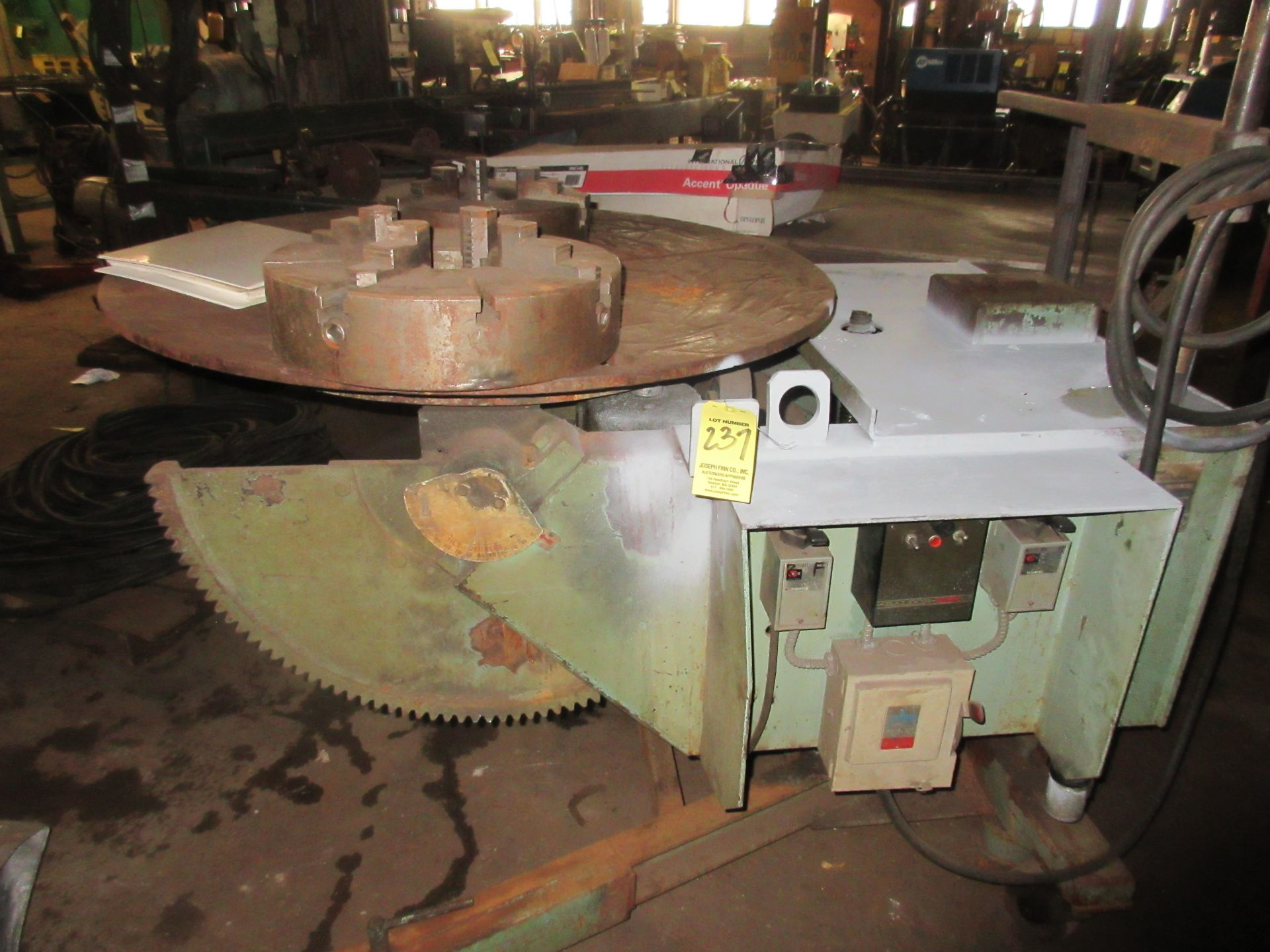 """(1) Ransome M/N 25R S/N 163865 Capacity 2,500 lb. Welding Positioner, 12"""" 3 Jaw Chuck, 16"""" 4 Jaw - Image 2 of 2"""