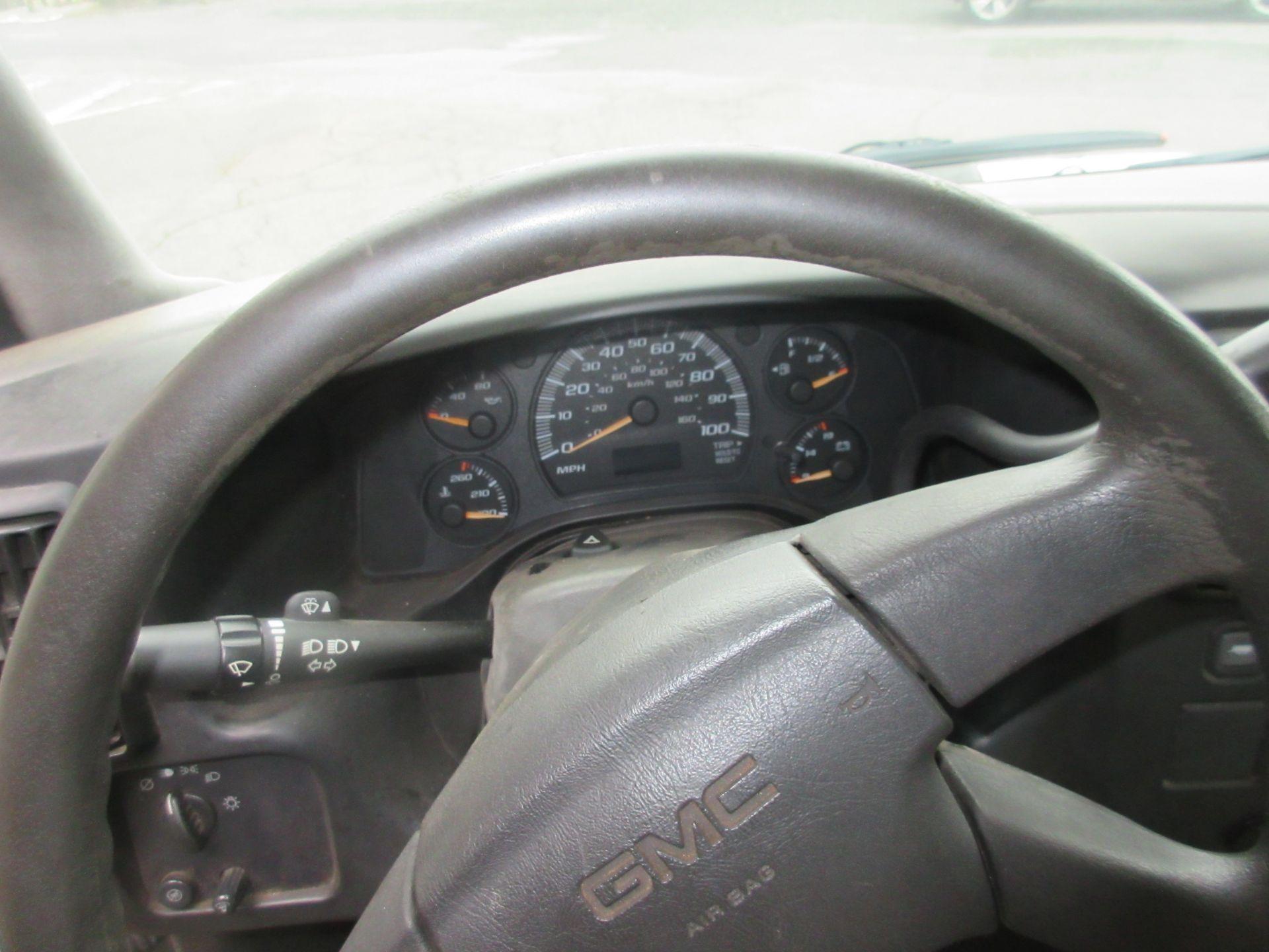 Bulk Bid Includes (1) Line Boring Truck Including 2004 GMC Savana 3500 Box Truck 2WD 8 Cylinders U - Image 5 of 27