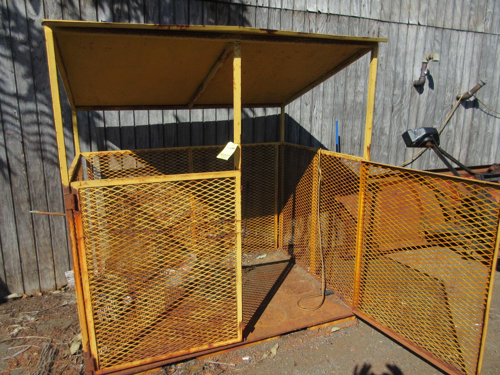 (1) LP Cylinder Cage