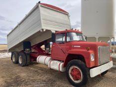 1977 International 1800 Loadstar T/A Grain Truck VIN D0712GCA16049 20Ft Steel Box & Hoist, Remote Re