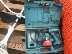 Makita Cordless Drill w/Battery, Charger & Case & Makita Pouch