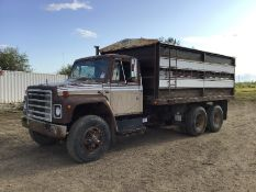 1979 International T/A Tag axle Grain Truck