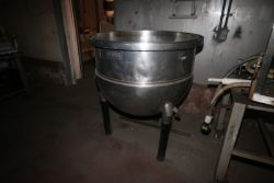 Groen 150 Gal. S/S Kettle, M/N N 150 SP, MAX. WP. 40 PSI @ 300 F, NAT'L BD: 26593, Mounted on