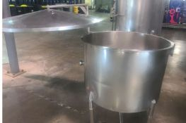 """125 Gallon (approx.) Stainless Steel Single Wall Tank- 36"""" diameter, 32"""" straight side, Moving Lid"""