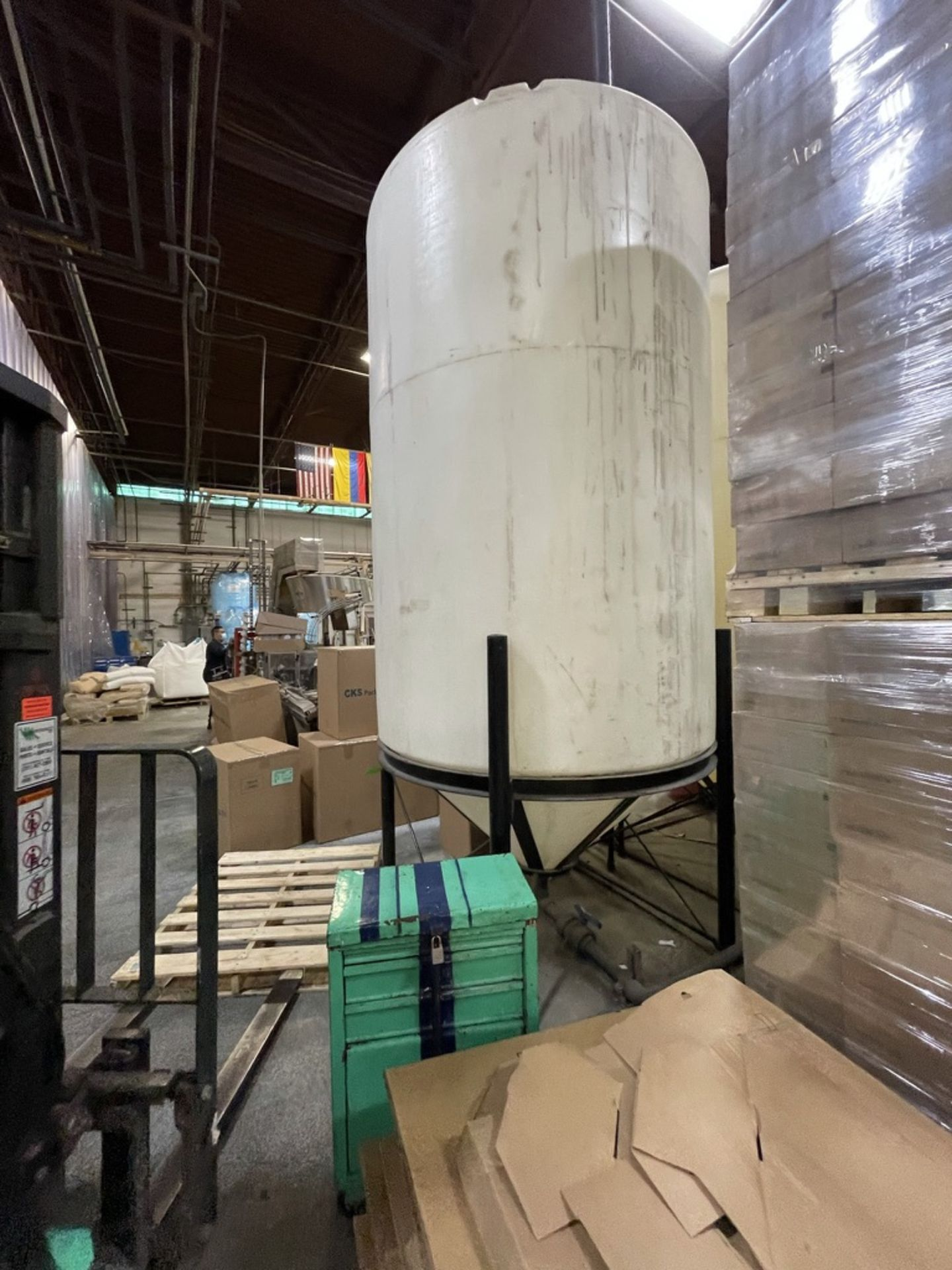 ACE ROTO MOLD APPROX. 1,400 GALLON CONE-BOTTOM POLY STORAGE TANK, STEEL FRAME - Image 2 of 6
