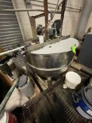 GROEN 250 GALLON S/S BOTTOM-JACKETED KETTLE WITH TOP-MOUNT DUAL MOTION AGITATION, INCLUDED SWEEP