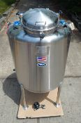 250 GALLON PHARMACEUTICAL GRADE 316 L STAINLESS STEEL PROCESS TANK BY T & C STAINLESS