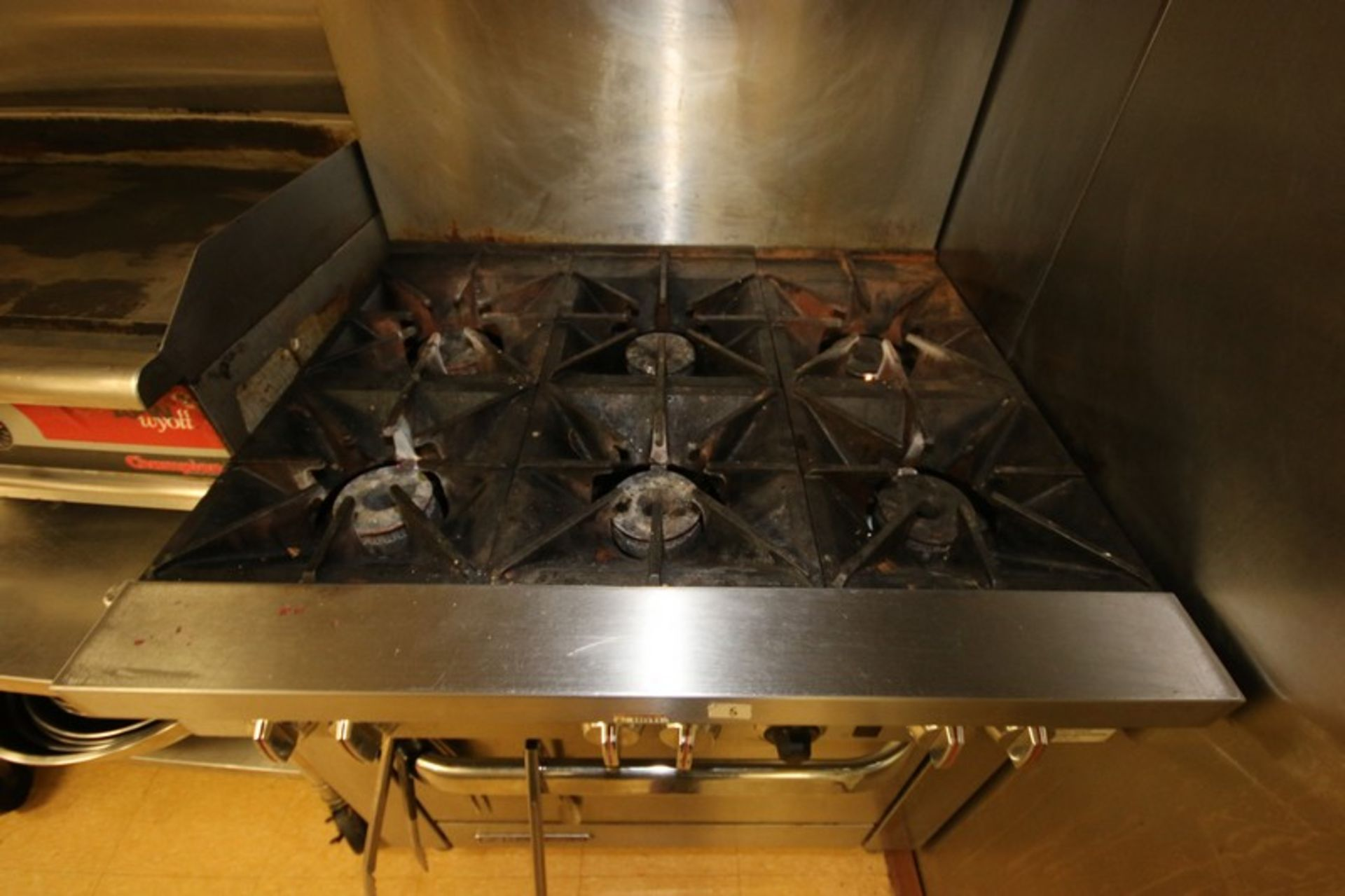 Southbend S/S 6-Burner Stove Top & Oven, S/N 10K13111, with S/S Top Shelf, Mounted on Portable Frame - Image 4 of 5