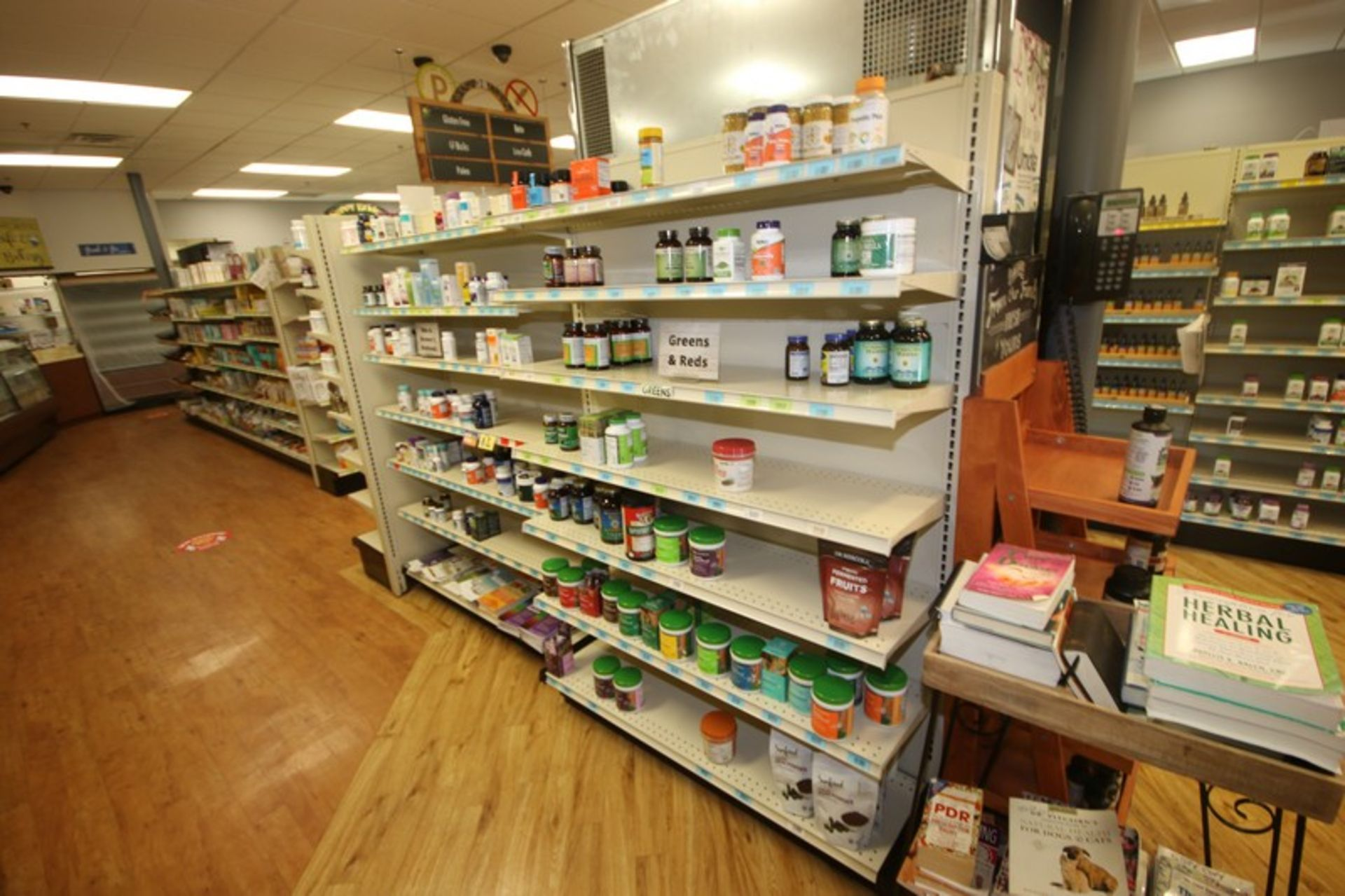 Feet of Double Sided Super Market Shelving, with Shelves, with 1-End Shelf (NOTE: SOLD BY THE - Image 2 of 3