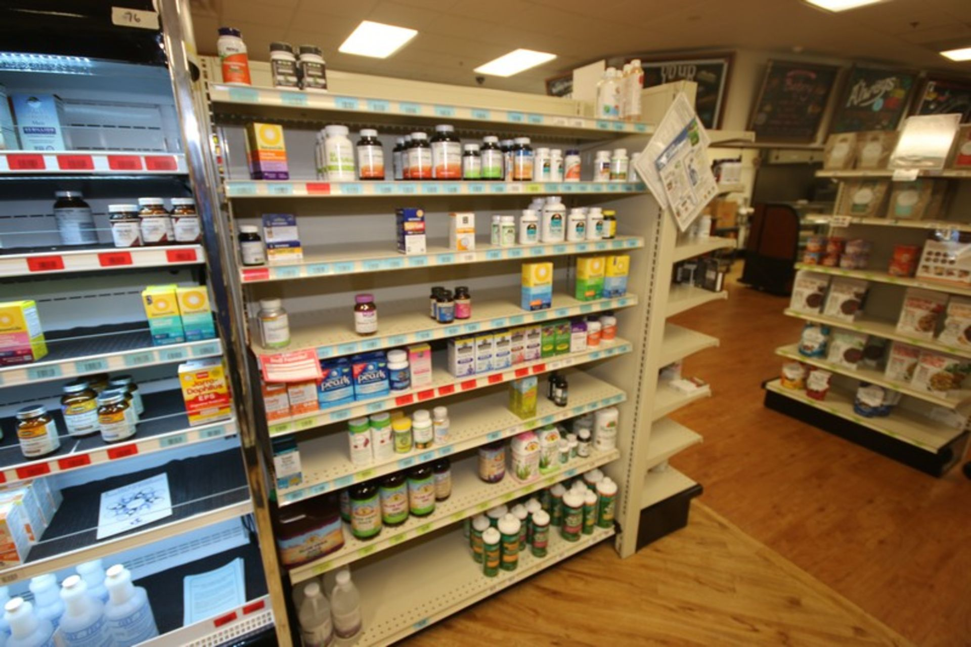 Feet of Double Sided Super Market Shelving, with Shelves, with 1-End Shelf (NOTE: SOLD BY THE - Image 3 of 3