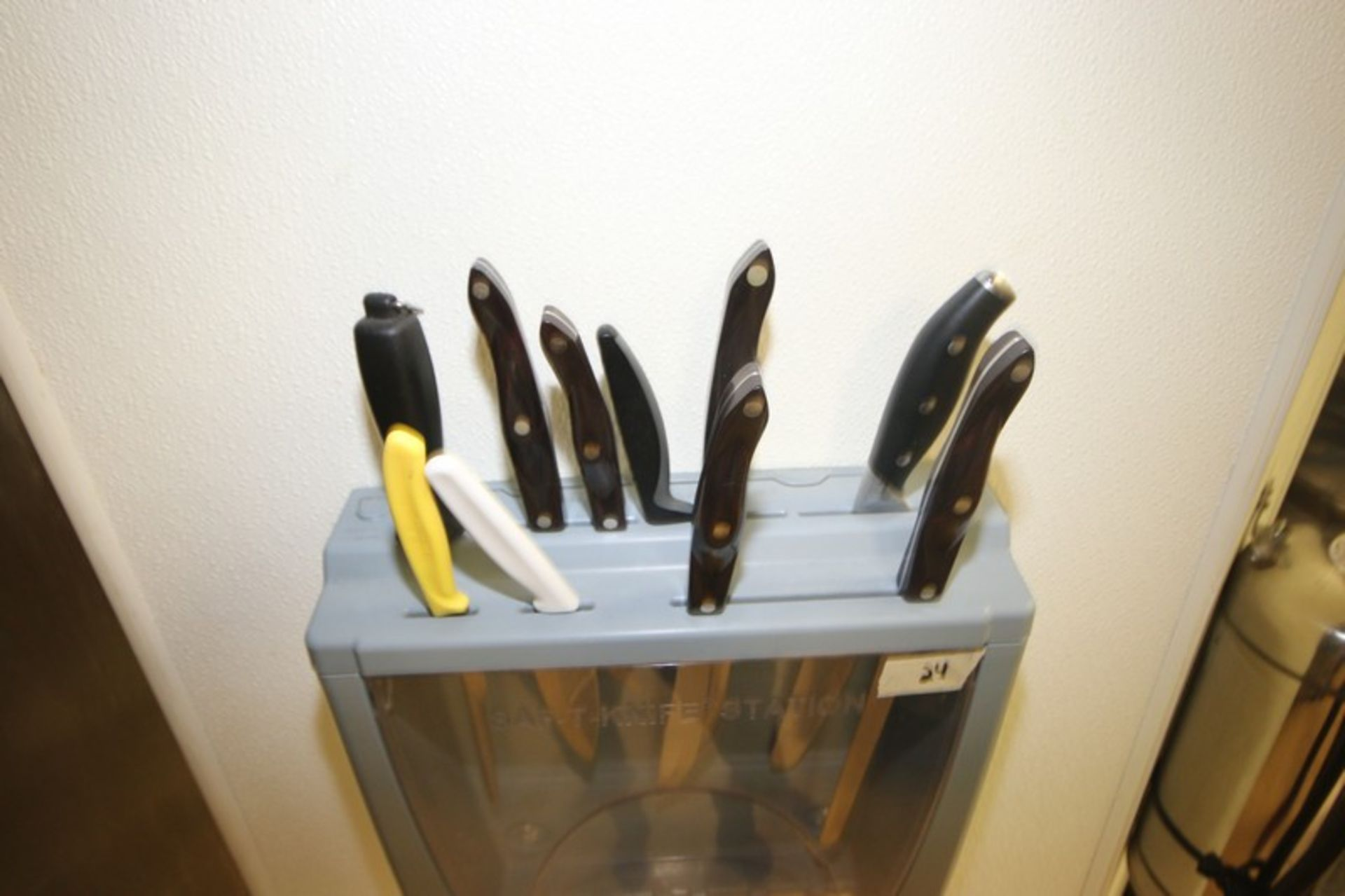 San Jamar Saf-T-Knife Station, Wall Mounted with Multiple Top Knife Inserts (Located in McMurray, - Image 2 of 2
