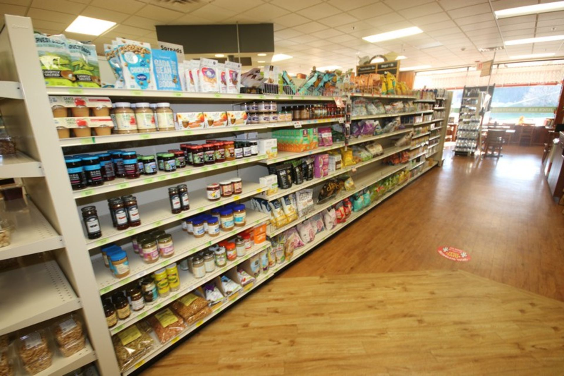 Feet of Double Sided Super Market Shelving, with Shelves (NOTE: SOLD BY THE FOOT) (Located in - Image 4 of 4