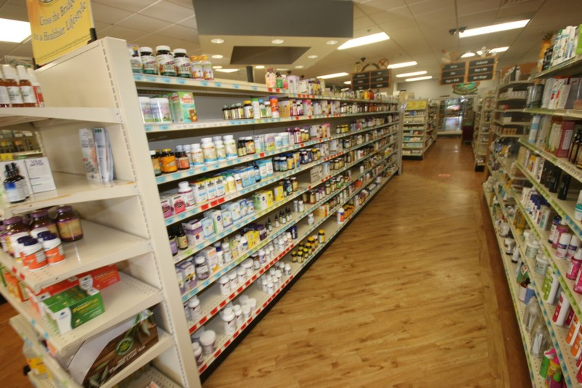Feet of Double Sided Super Market Shelving, with Shelves (NOTE: SOLD BY THE FOOT) (Located in - Image 2 of 4