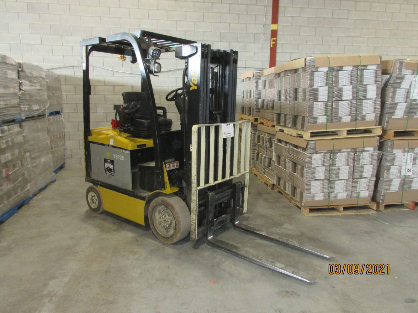MINT OFF LEASE FORK LIFTS