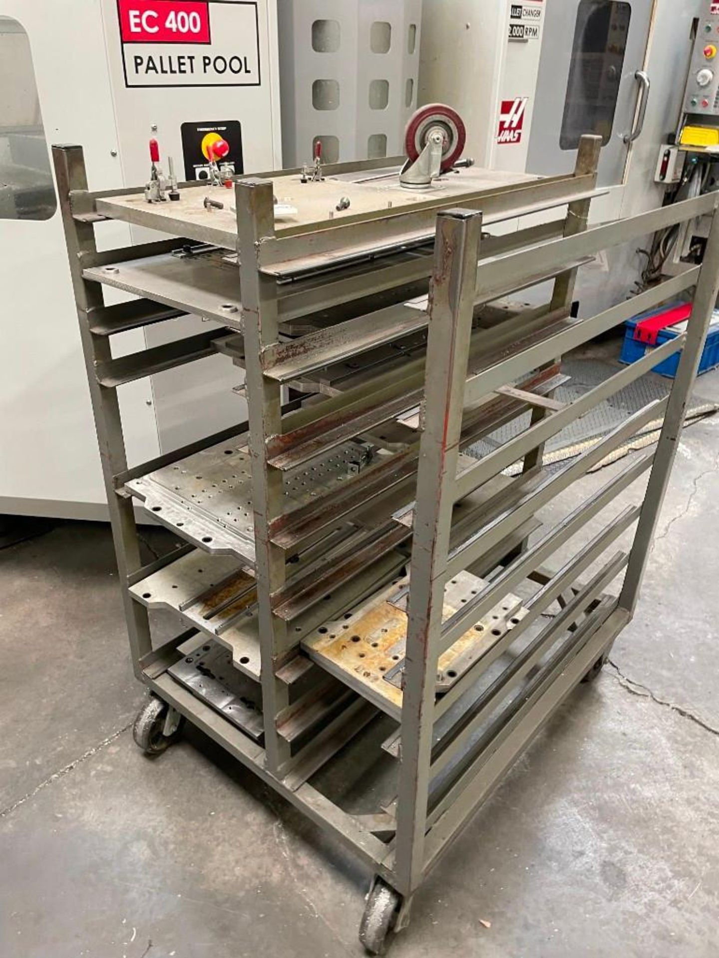 Metal Cart with Aluminum Plates - Image 4 of 4