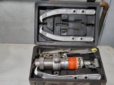 Power Team 11 Ton Hyd Puller Set