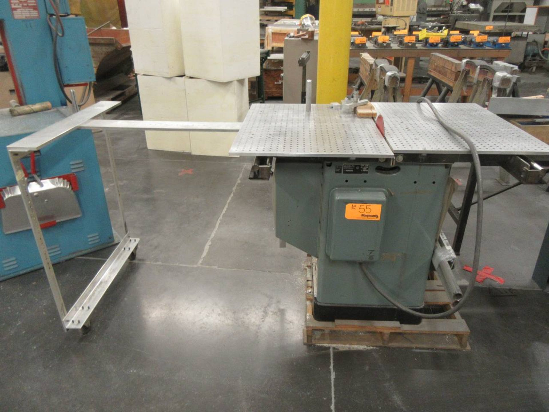 Delta 34-806 Table Saw