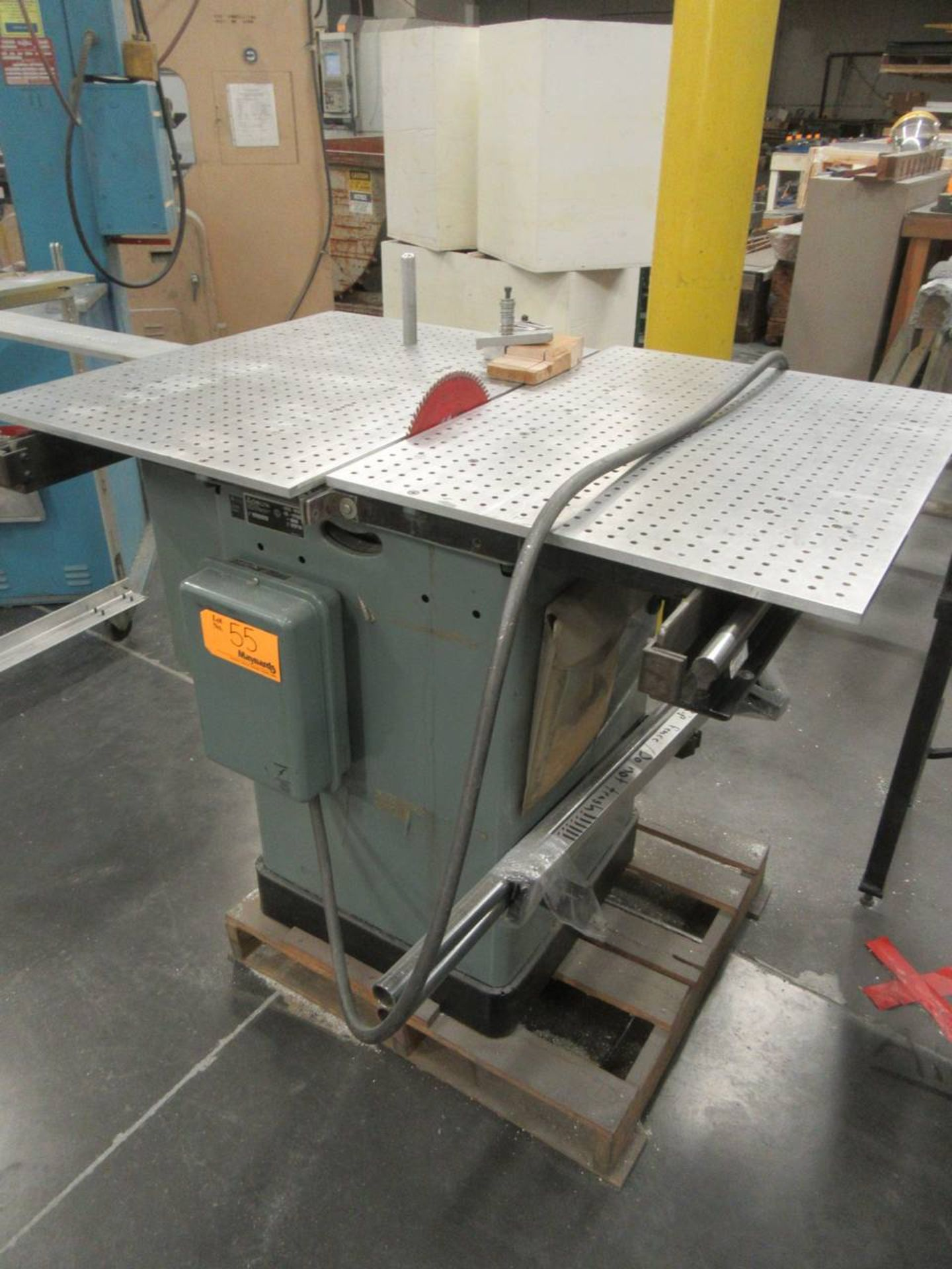Delta 34-806 Table Saw - Image 3 of 4