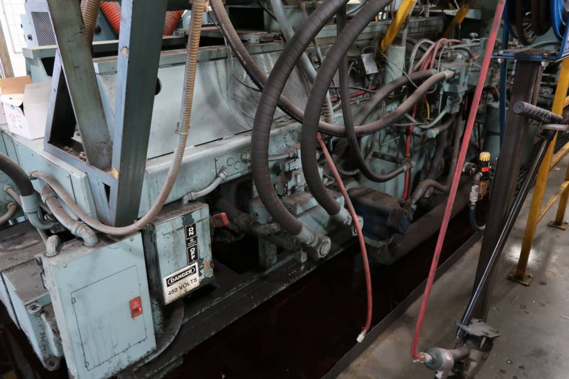 1986 HPM 400-TP-20 400-Ton Thermo Plastic Injection Molding Press - Image 14 of 40