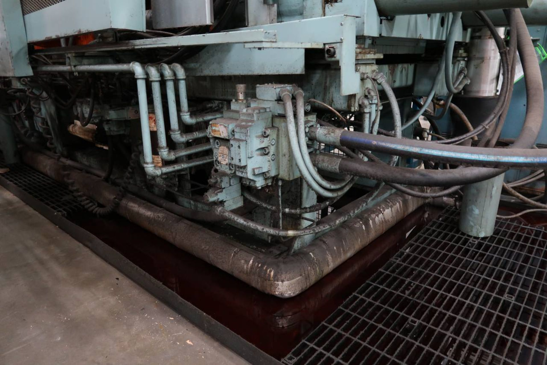 1986 HPM 400-TP-20 400-Ton Thermo Plastic Injection Molding Press - Image 16 of 40