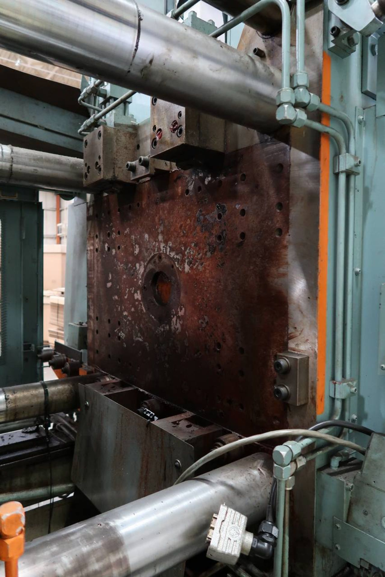 1986 HPM 400-TP-20 400-Ton Thermo Plastic Injection Molding Press - Image 9 of 40