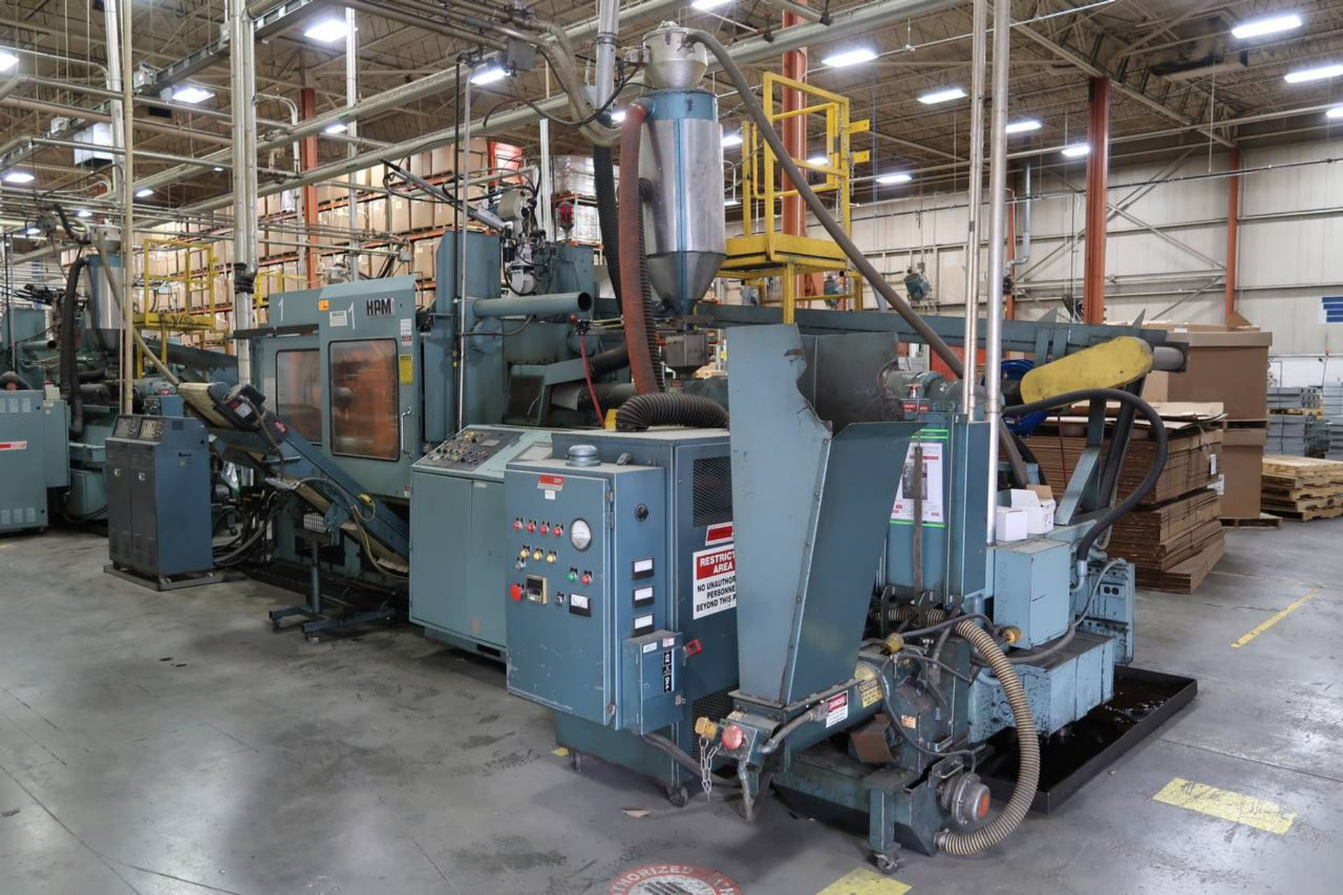 1986 HPM 400-TP-20 400-Ton Thermo Plastic Injection Molding Press - Image 2 of 40