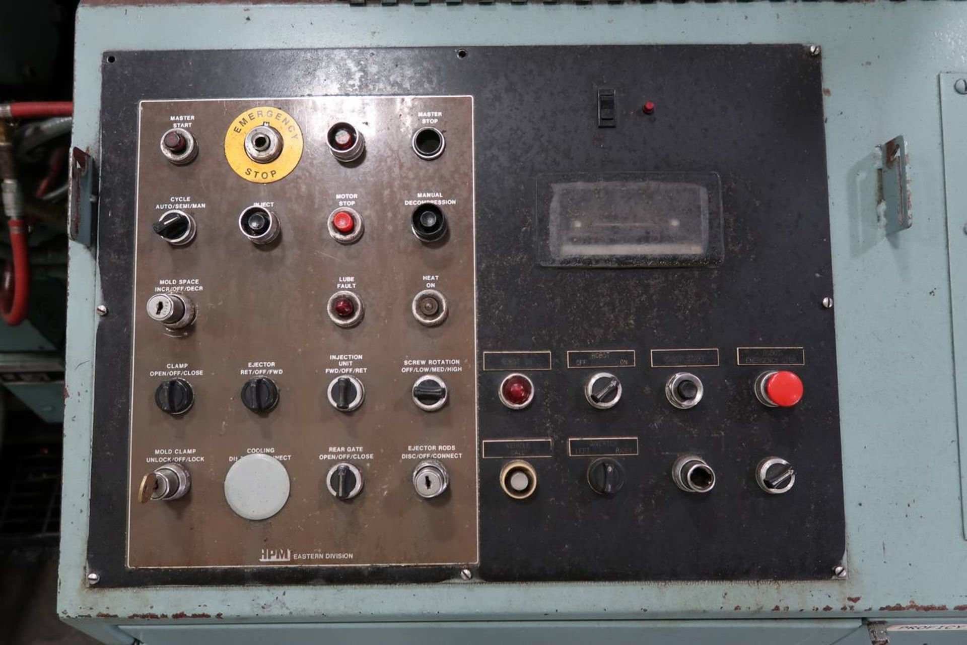1986 HPM 400-TP-20 400-Ton Thermo Plastic Injection Molding Press - Image 18 of 40