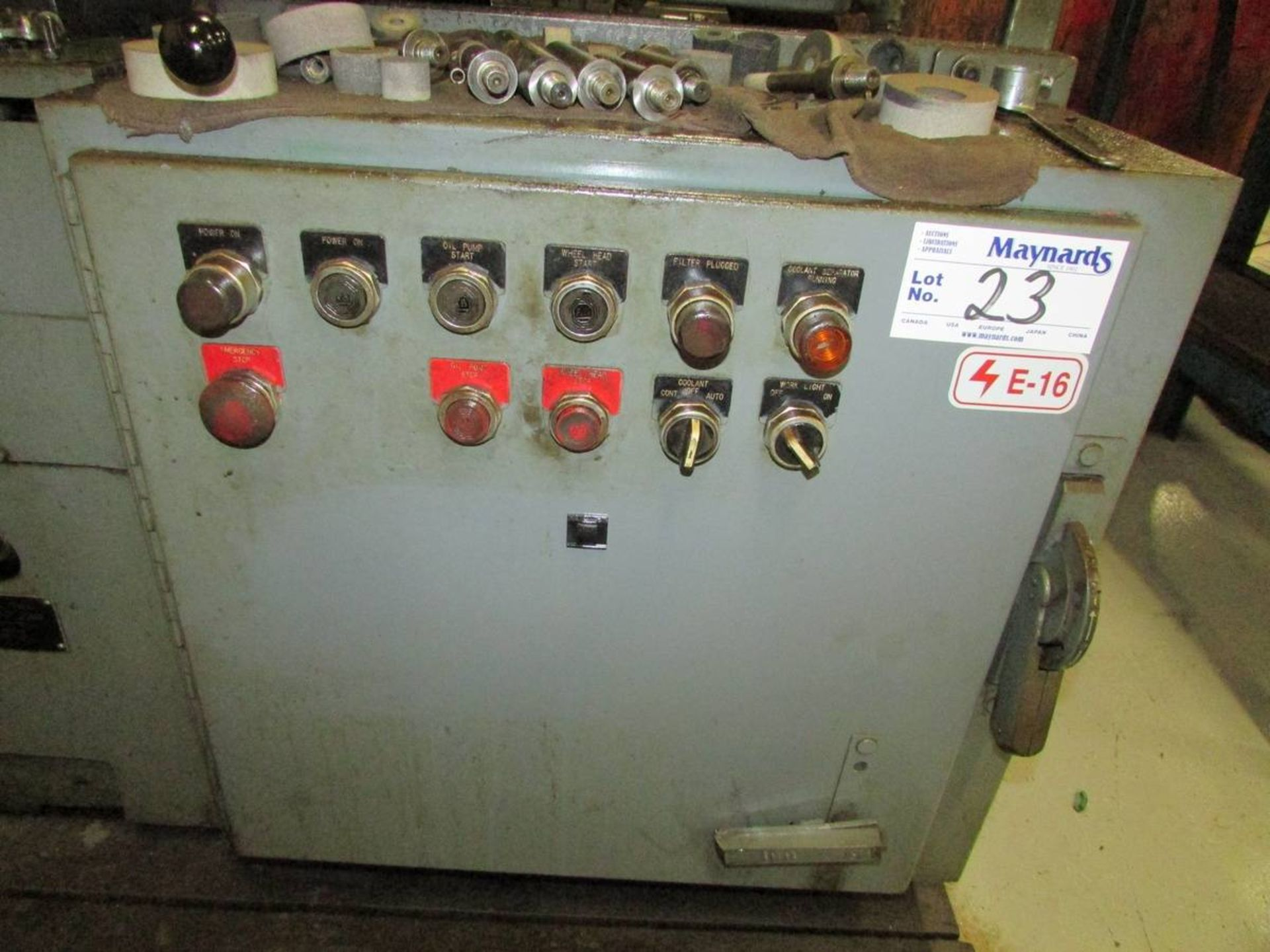 1981 Bryant 1116 ID Cylindrical Grinder - Image 12 of 20
